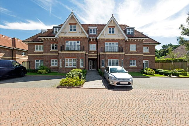 Thumbnail Flat for sale in South Riding, Shoppenhangers Road, Maidenhead, Berkshire