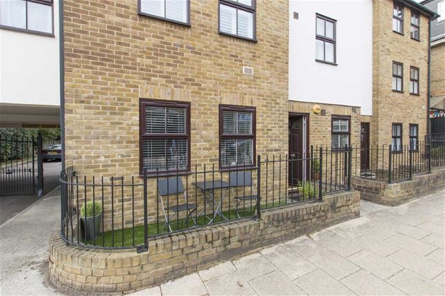 Thumbnail Flat for sale in Hastingwood Court, 166-168 Queens Road, Buckhurst Hill
