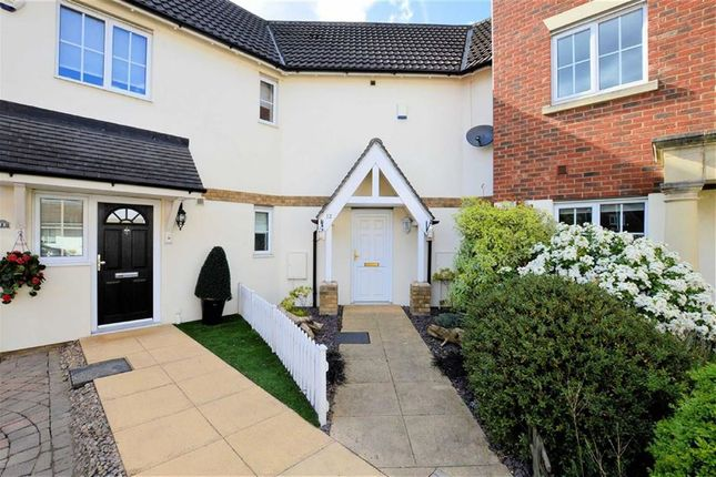 Thumbnail Property to rent in Retreat Way, Chigwell