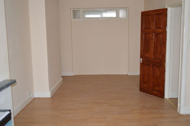 Thumbnail Terraced house to rent in Littlemoor Road, Ilford