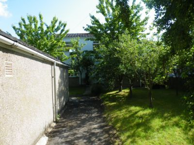 Thumbnail Terraced house to rent in Hadley Gardens, Hollingbourne