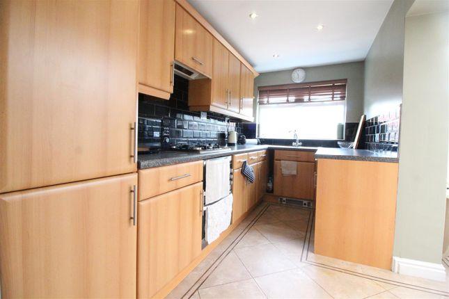 Kitchen of Priory Road, Hull HU5
