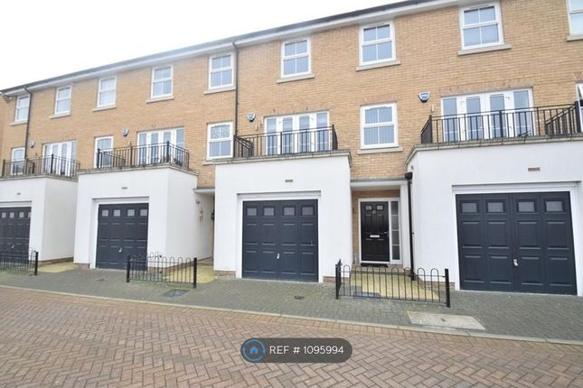 Thumbnail Room to rent in Autumn Way, West Drayton