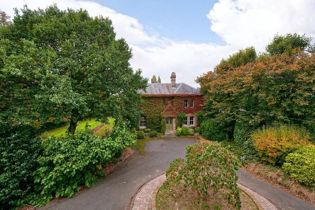 Thumbnail Detached house for sale in Lees Road, Yalding, Maidstone