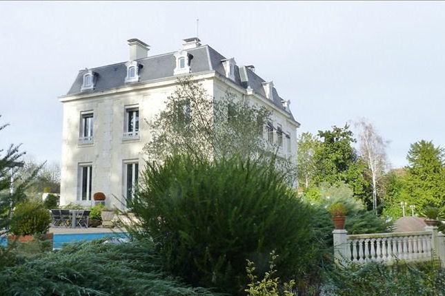Houses for sale in Pau, France Browse listings of houses for sale in Pau, France, advertised by owners, agents, developers & portals or jump to results for popular locations using the links on the right.