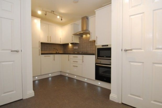 Thumbnail Flat to rent in Woodside, Greenbank, Plymouth