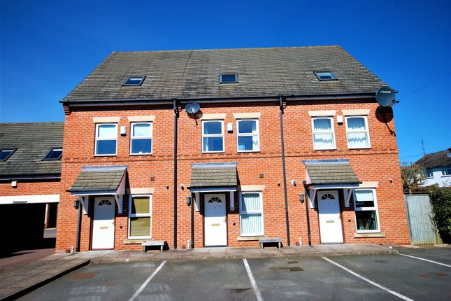 Thumbnail Town house for sale in South View Road, Leamington Spa