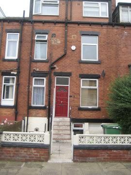 Thumbnail Terraced house to rent in Parkfield Row, Beeston, Leeds