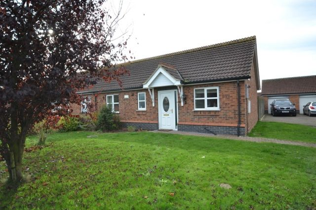 Thumbnail Bungalow to rent in Garden Village, North Killingholme, Immingham