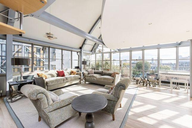 Thumbnail Flat to rent in Hopton Street, London