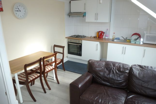 Thumbnail Flat to rent in Woodhouse Road, North Finchley