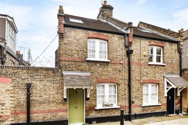 Thumbnail Terraced house to rent in Pepper Street, London