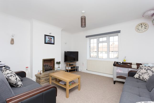 Thumbnail Flat to rent in Cambridge Road, Kingston Upon Thames