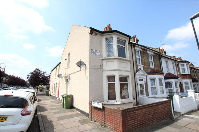 Thumbnail Flat for sale in Kashgar Road, Plumstead
