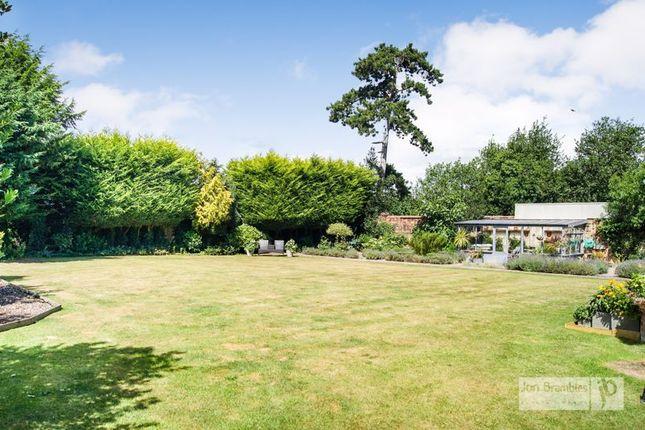 Garden of Old Bell Lane, Carlton-On-Trent, Newark NG23
