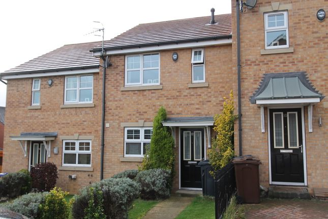 Thumbnail Town house to rent in Woolscroft View, Hemingfield, Barnsley