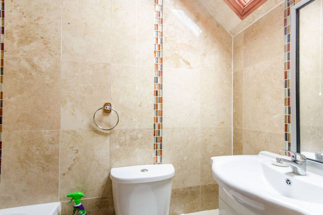 Thumbnail Flat to rent in St James's Street, Walthamstow