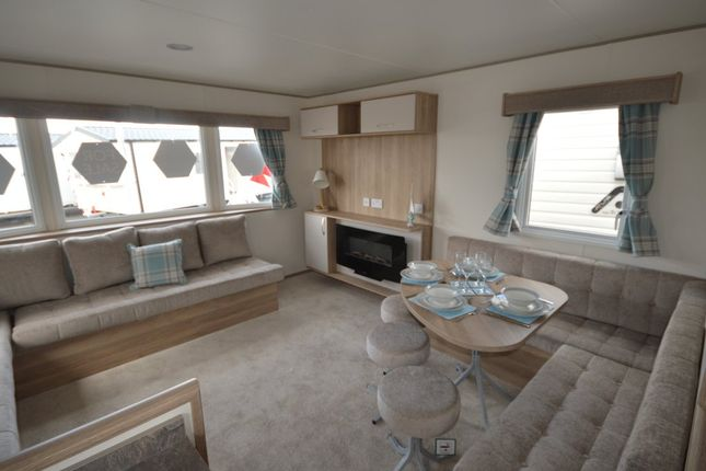 The Stunning Abi Arizona Is A Marvel In Holiday Home Construction With Features The Whole Family Are Sure To Love.