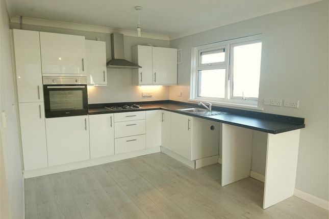 Thumbnail Flat to rent in Ilston Way, West Cross, Swansea