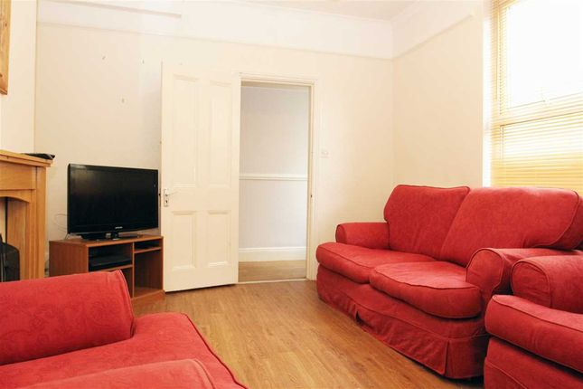 Thumbnail Terraced house to rent in Hamilton Gardens, Mutley, Plymouth
