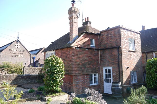 Thumbnail Cottage to rent in High Street, Haslemere