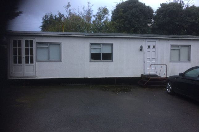 Thumbnail Mobile/park home to rent in Thorny Lane, North Iver