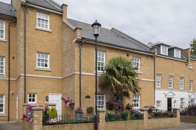 Thumbnail Flat for sale in Coventry Court, Coventry Gardens