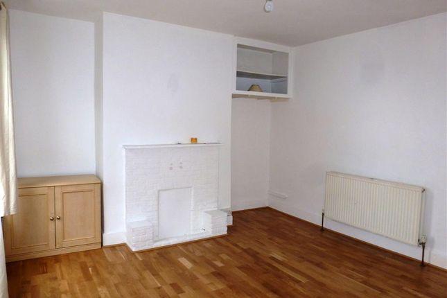 Living Room of Queens Street, Maidenhead, Berkshire SL6