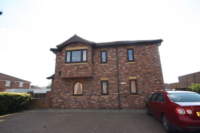 Thumbnail Flat for sale in Linwood Court Northgate, Guisborough