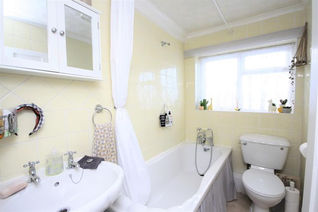 Bathroom of Love Lane, Weymouth DT4