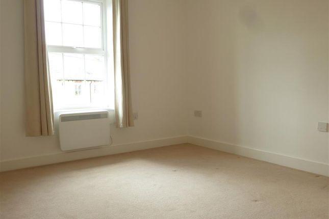 Bedroom 1 of Harvest Bank, Carterton OX18