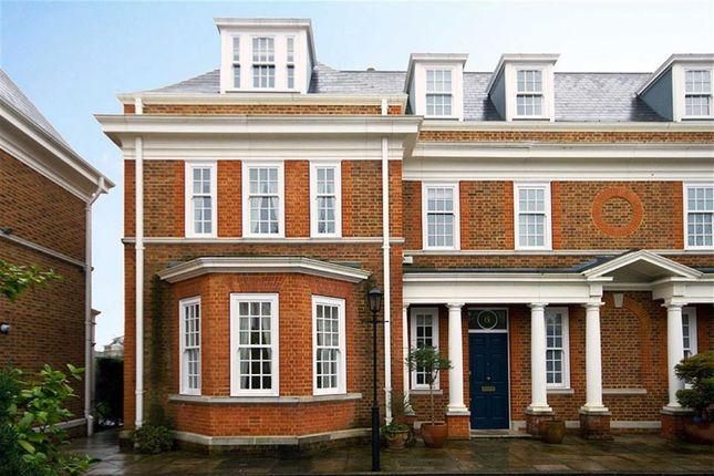 Thumbnail Property to rent in Redcliffe Gardens, London