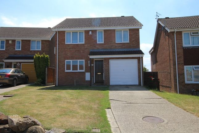 4 bed semi-detached house to rent in Manor Close, Canterbury