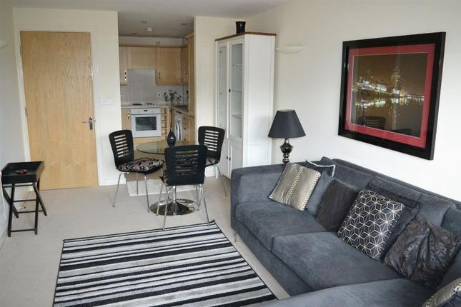 Flat for sale in 190 Stockport Road, Grove Village, Manchester