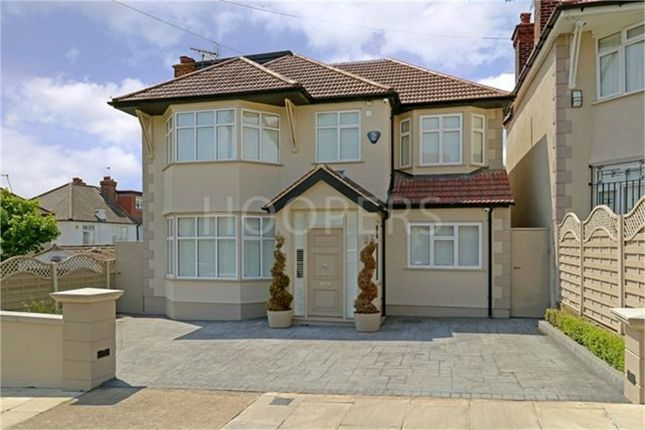 5 bedroom detached house for sale in Hill Close, London