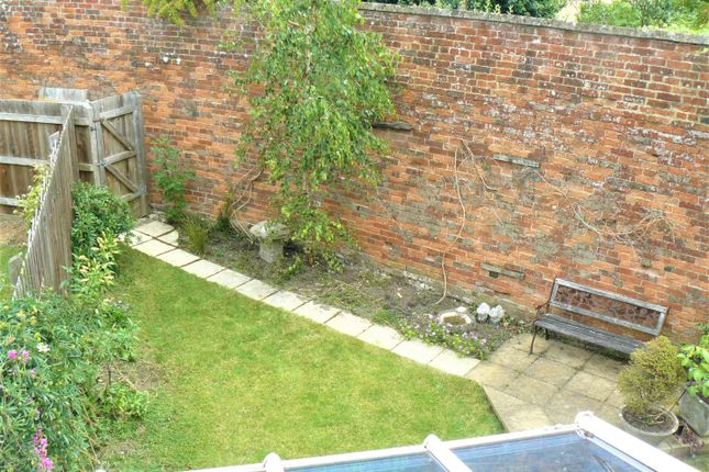 the gardens chippenham sn14 3 bedroom terraced house for. Black Bedroom Furniture Sets. Home Design Ideas