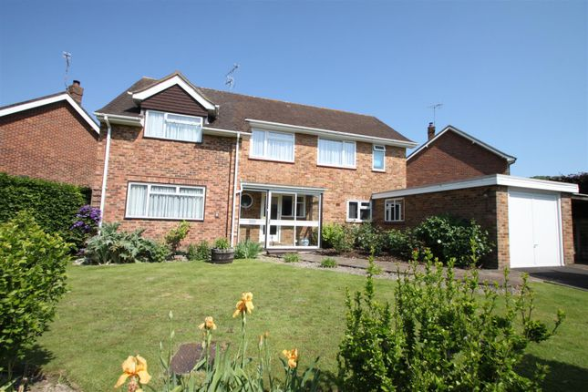 Thumbnail Flat to rent in Dippers Close, Kemsing, Sevenoaks