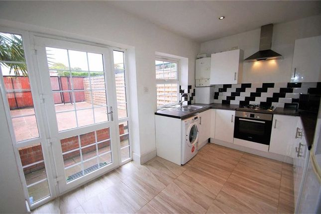 5 bed town house to rent in Marloes Close, Wembley