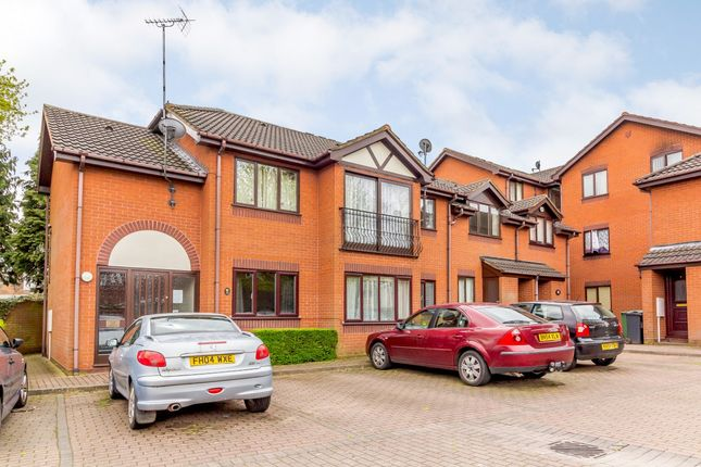 Thumbnail Flat for sale in Rockingham Close, Walsall, West Midlands