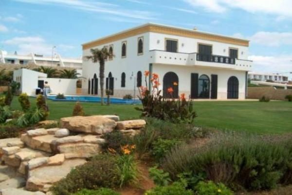Thumbnail Villa for sale in 8600 Luz, Portugal