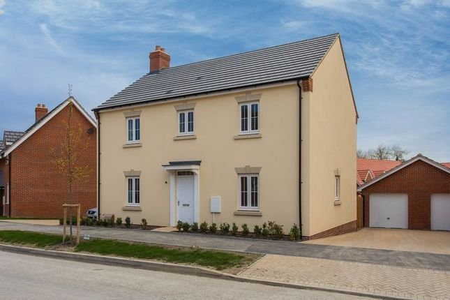 Thumbnail Detached house for sale in Pike Reach, Wantage