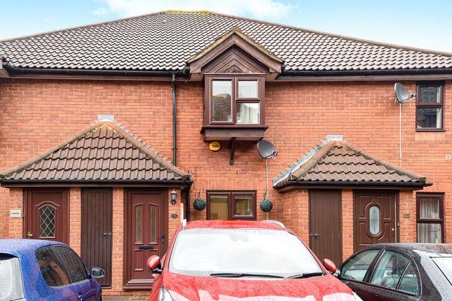 Thumbnail Terraced house for sale in Windsor Gardens, Beddington, Croydon