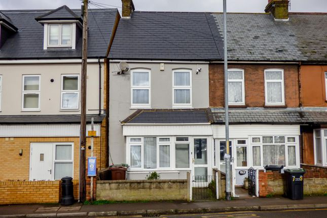 Thumbnail End terrace house for sale in Lower Higham Road, Chalk, Gravesend