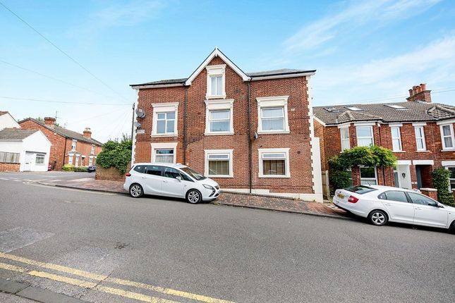Thumbnail Flat for sale in Queens Road, Tunbridge Wells