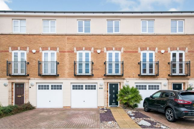 4 bed town house for sale in San Diego Way, Eastbourne BN23