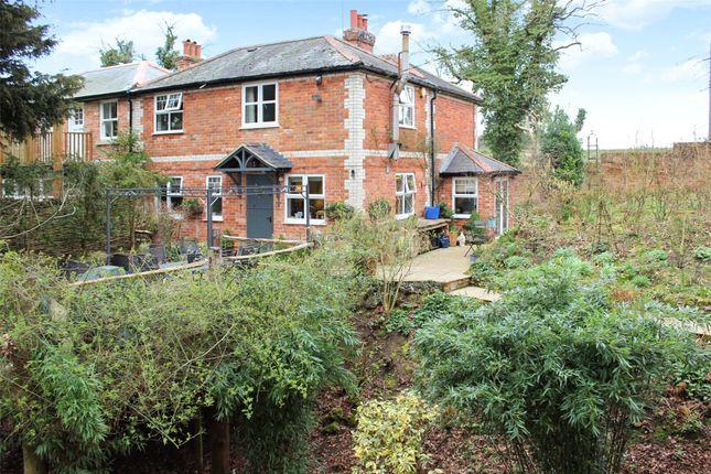 Thumbnail Semi-detached house for sale in Howe Hill, Watlington