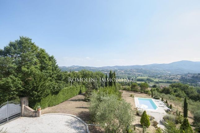 Umbria, Citerna, Villa For Sale With Panoramic View