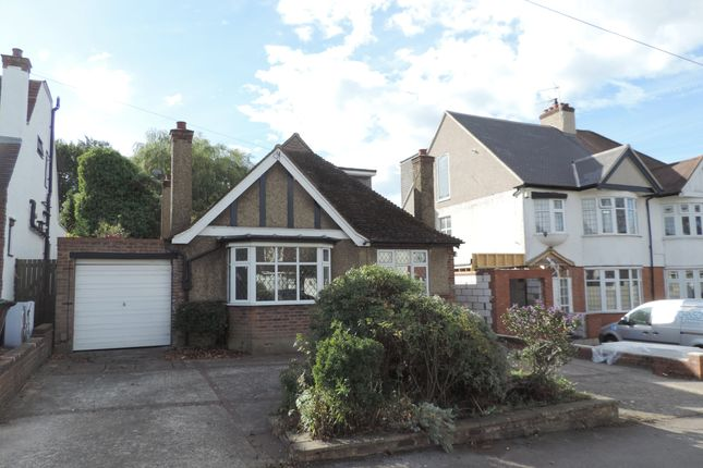 Thumbnail Detached bungalow for sale in The Walk, Potters Bar