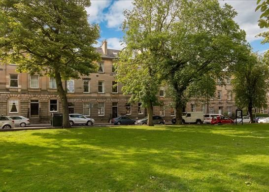 Thumbnail Flat for sale in Bellevue Crescent, Edinburgh
