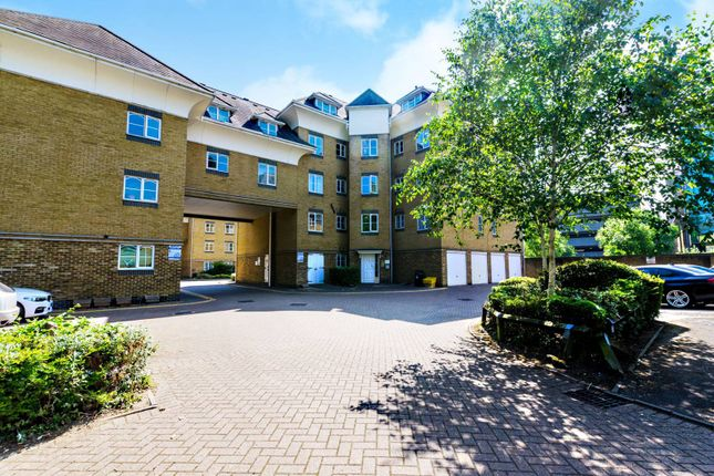 Thumbnail Flat for sale in Century Court, Woking